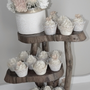 Cupcakes with Swirl, Cupcakes Wedding, Cupcakes & Lace, Carnations on Cake